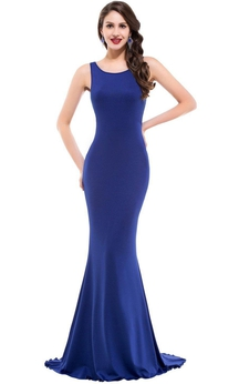 Eye-catching Sleeveless Sheath Gown with Sweep Train
