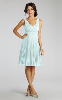 Chiffon A-Line Sleeveless V-Neck Dress With Pleats