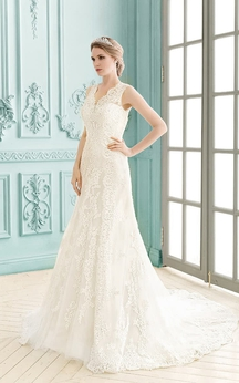 V-neck Keyhole Back Sleeveless Floor-length Lace Sheath Dress