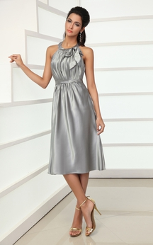 Knee-Length Stretched Satin Dress With Bow and Pleating