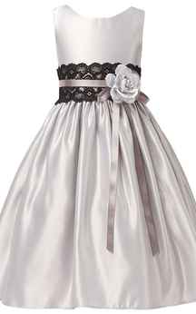 Sleeveless A-line Satin Dress With Flower and Lace