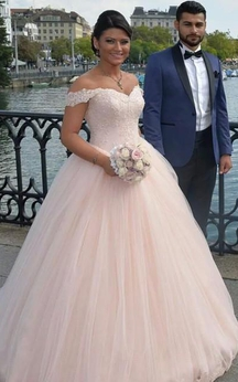 Delicate Tulle Lace Appliques Beadings Wedding Dress 2016 Off-the-shoulder