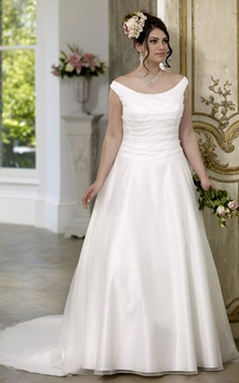 A-Line Floor-Length Scoop Neck Satin Court Train Lace-Up Back Ruching Dress