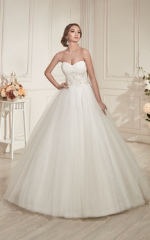 A-Line Long Sweetheart Sleeveless Zipper Tulle Dress With Ruching And Beading