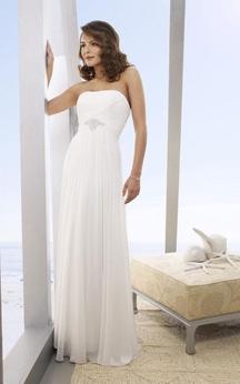 A-Line Strapless Floor-Length Chiffon Beach Wedding Dresses
