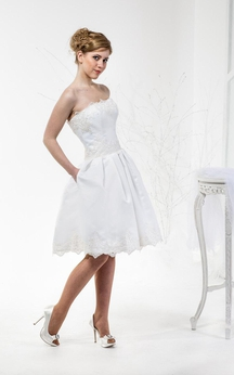 Knee Length Sweetheart A-Line Lace Dress With Pleats