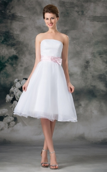 Flattering Satin Organza a Line Sleeveless Strapless Wedding Dresses