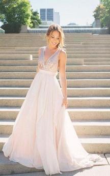 V-neck Sleeveless Chiffon Sequins Dress with V-neck