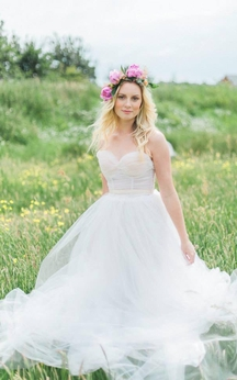 Strapless Sweetheart A-Line Tulle Wedding Gown With Waist Band