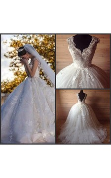 Princess Cap Sleeve Pleated Tulle Ball Gown With Lace