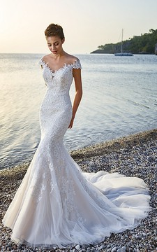 Trumpet Floor-Length V-Neck Cap-Sleeve Lace&Tulle Wedding Dress With Appliques