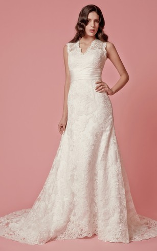 Lace Wedding Dress with Bottons