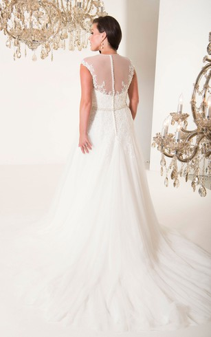 A-Line Floor-Length V-Neck Sleeveless Tulle Court Train Illusion Appliques Dress