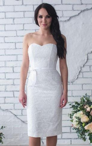 short lace dress sweetheart