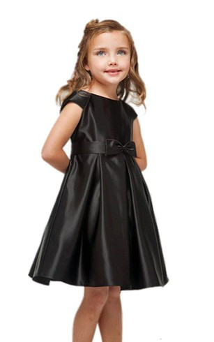 Cap-sleeved A-line Pleated Dress With Bow