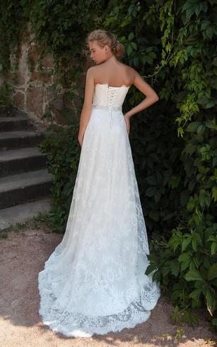 Wedding Dresses For Hourglass Figure | Curvy Wedding Dress ...