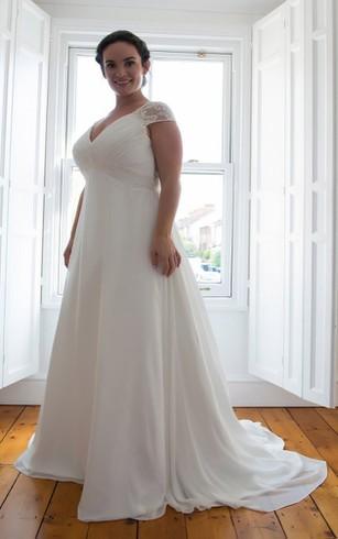 Long Sleeves Wedding Dress For Plus Ladies | Full Figure Size ...