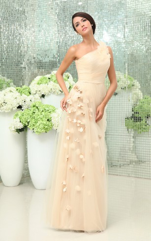 Graceful One-Shoulder Tulle Gown With Petals