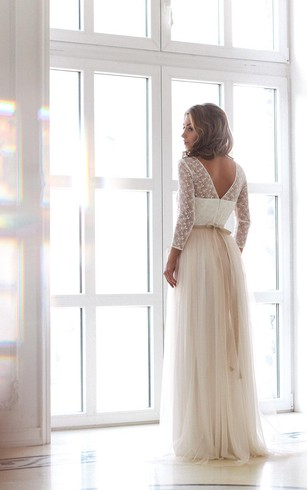 A-Line Tulle Long Sleeve Dress With Lace Bodice and Scoop Neck