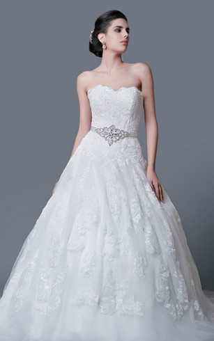 Impressive Strapless Lace Ball Gown With Belt