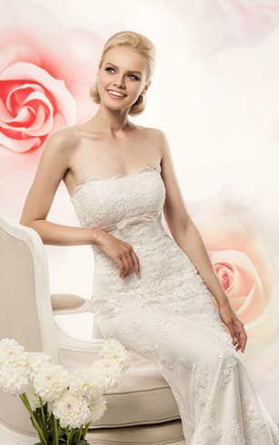 Sheath Long Strapless Sleeveless Lace-Up Lace Dress With Appliques