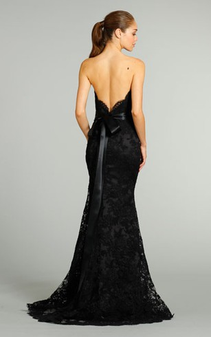 Graceful Sweetheart Neckline Lace Gown With Fl Embellished Satin Ribbon