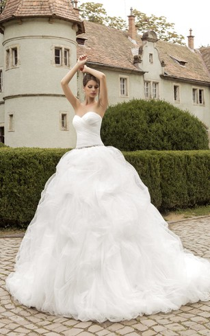 Sweetheart Cascading Ruffles Floor-length Dress