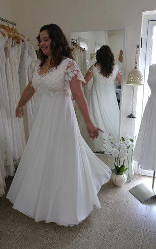 Plus size short wedding dresses for brides in all sizes dorris wedding v neck short sleeve lace chiffon plus size wedding dress junglespirit Images