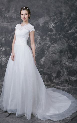 Romantic Scoop Neckline Lace Applique Wedding Ball Gown