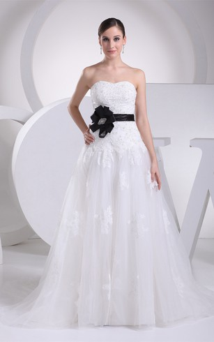 Sweetheart A Line Tulle Jeweled Bow And Gown With Appliques