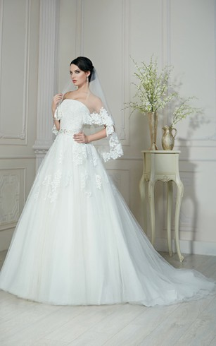 A-Line Long Strapless Sleeveless Lace-Up Organza Dress With Appliques And Beading