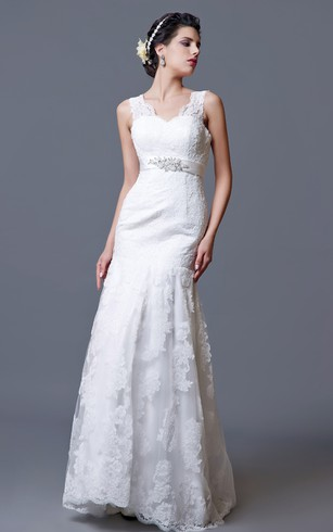 Gorgeous Lace Sheath Gown With V Neck Backstyle