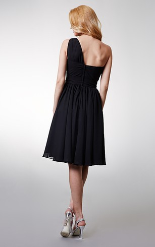 Adorable One-shoulder A-line Short Chiffon Dress with Beading Broach on Waist