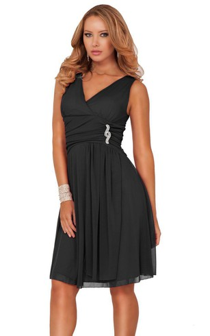 Sleeveless V-neck Knee-length Dress With Brooch