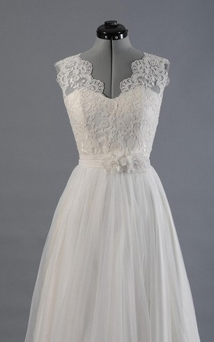 Tulle A-Line Sleeveless Dress With Scalloped-Edge Neckline and Lace Bodice