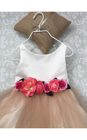 Scoop Neck Sleeveless A-line Tulle Knee Length Dress With Waist Flowers