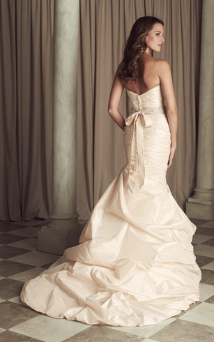 Long Chic Sweetheart Dress With Beaded Sash