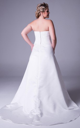 Floor Length Strapless Satin Plus Size Wedding Dress With Ruching And Zipper