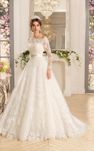 Lace wedding gowns with long sleeves long lace sleeve bridal dress a line long sweetheart sleeveless lace dress with cape and appliques junglespirit Choice Image