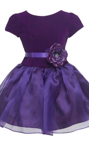 Short-sleeved A-line Pleated Dress With Flower