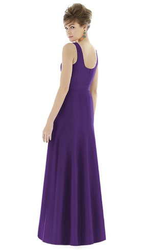 Floor-Length Sleeveless Satin Gown with Scoop Neckline and Ruching