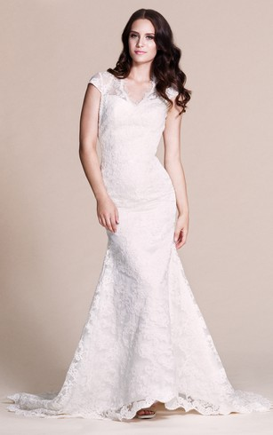 Cap Sleeved Mermaid Lace Dress With Keyhole