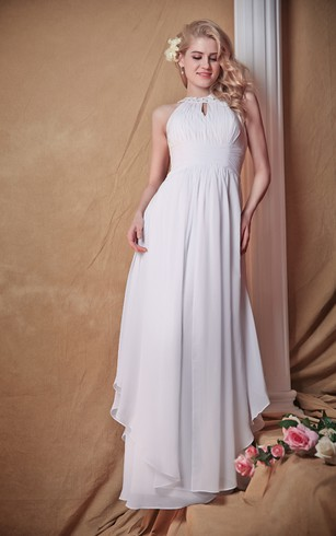 Majestic Sleeveless Wedding Dress With Keyhole Round Neckline Style