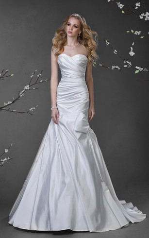 A-Line Long Sweetheart Sleeveless Satin Dress With Criss Cross And Bow
