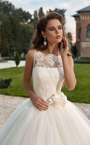 Ball Gown Scalloped Neckline Lace Top Tulle Dress With Flower