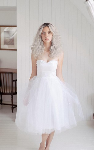 Strapless bridal dresses simple strapless lace beach wedding tea length tulle sweetheart sleeveless dress with pleats junglespirit Gallery