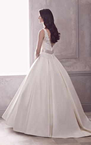 Ball Gown With Fitted Lace Bodice And Floral Detail