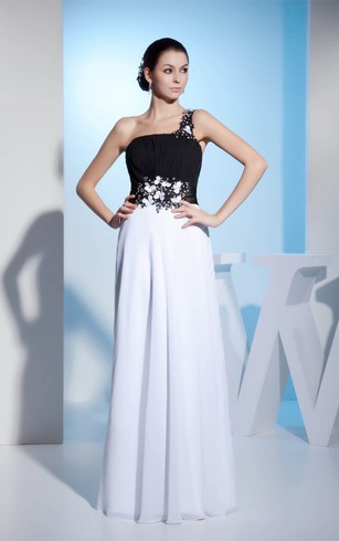 Black-And-White Floor-Length One-Shoulder Appliqued Waist and Dress With Ruching