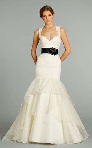 Alluring Sleeveless Lace Bodice Organza Dress With Bow at Back