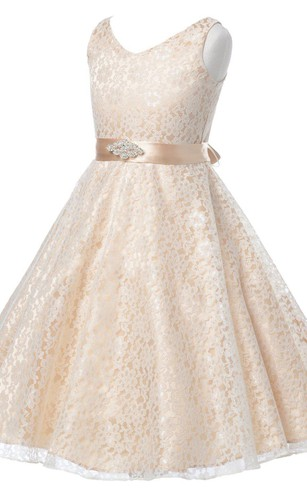 Sleeveless V-neck Lace Dress With Beadings and Bow